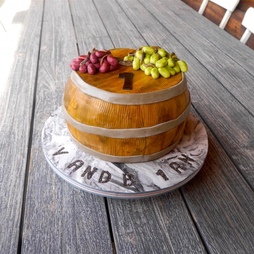 Anniversary cake barrel